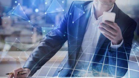 چگونه «شنود اجتماعی» از پنج طریق در حال تحول صنعت بانکداری است؟